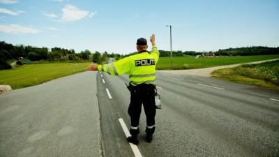 FREDRIKSTAD  20120620. Utrykningspolitiet (UP) holder kontroll på riksvei 116 ved Onsøy onsdag. Foto: Stian Lysberg Solum / NTB scanpix