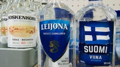 suomi viinaa koskenkorva Leijona Suomi viina Alko terävä kirkas alkoholi DSC8336