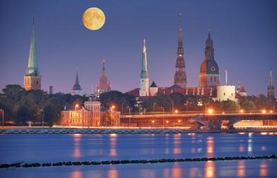 Quay-of-Daugava-river-in-Riga-Latvia